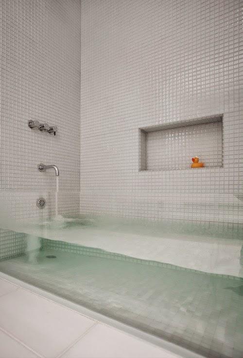 Kamar mandi transparan