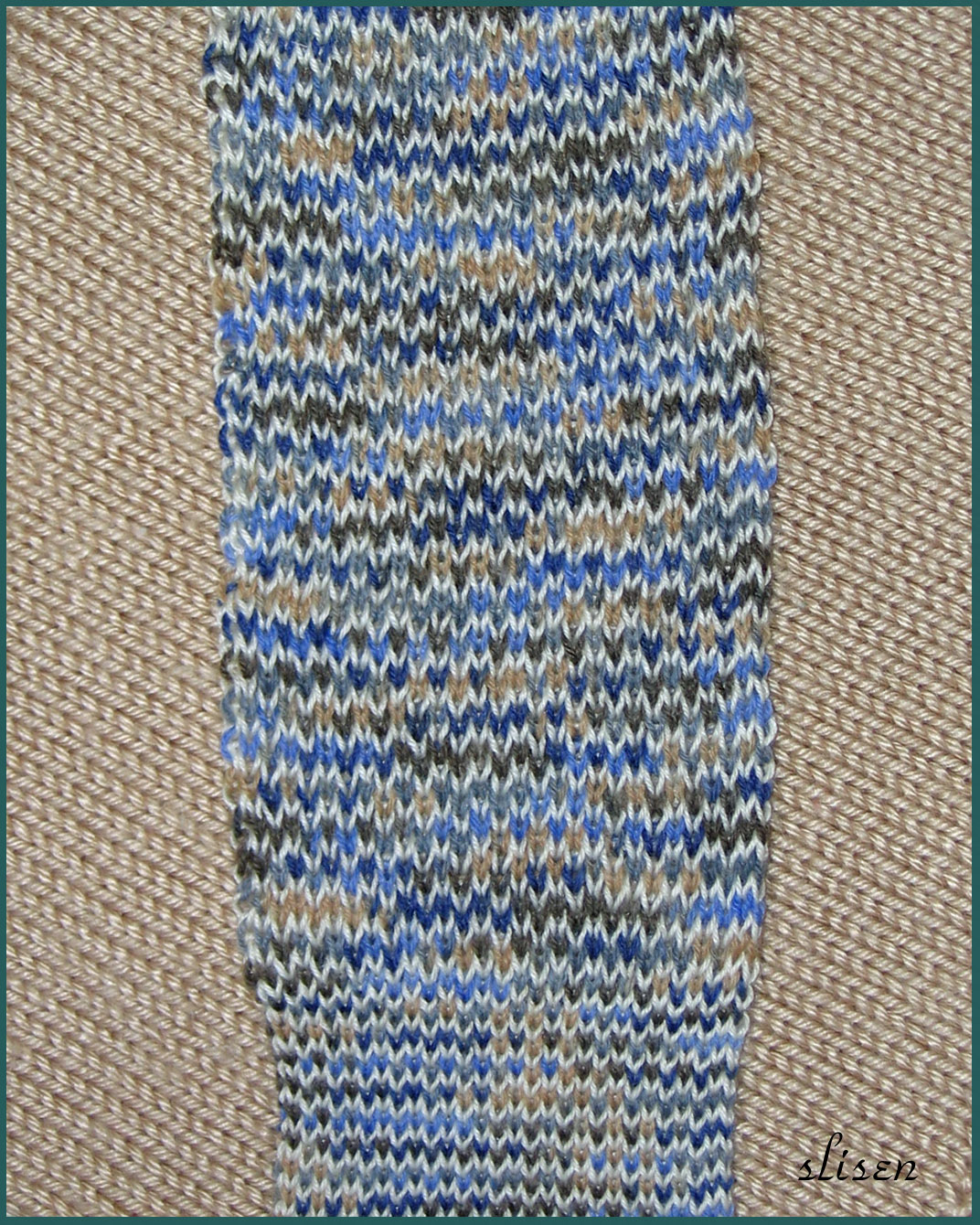 Knitting Vertical Stripes Different Colors : Slisen s happy place mitten color double bed jacquard