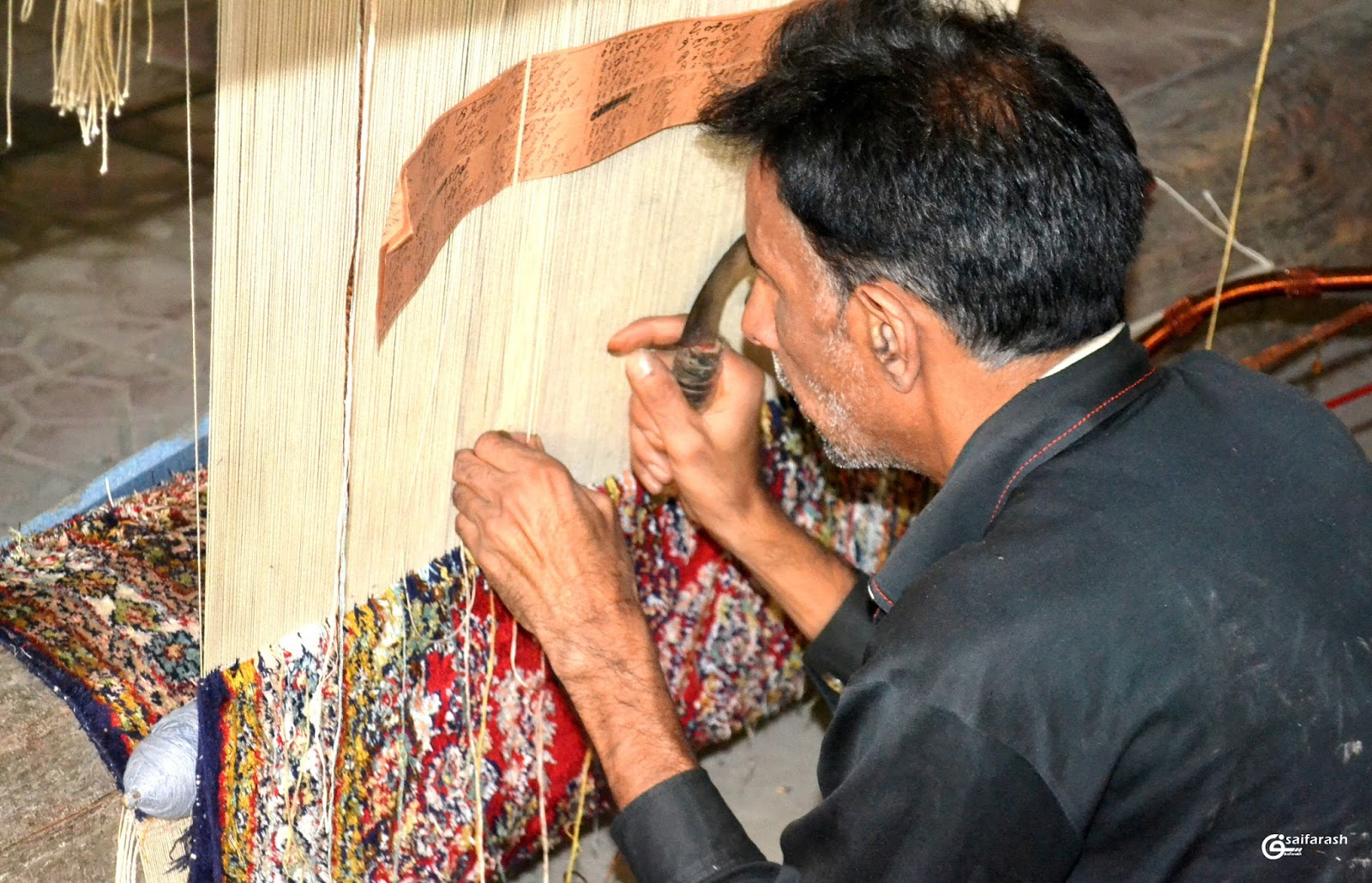 Saif Arash Photography Kashmir Handicrafts Rug Weaving