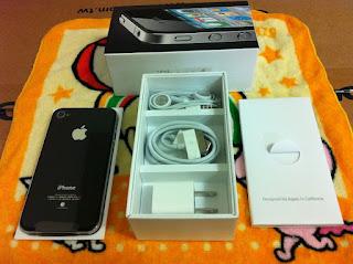 阿布洛格 iPhone4 背面及內容物
