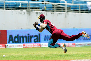 Darren-Sammy-fielding-West-Indies-vs-India-Tri-Series-2013