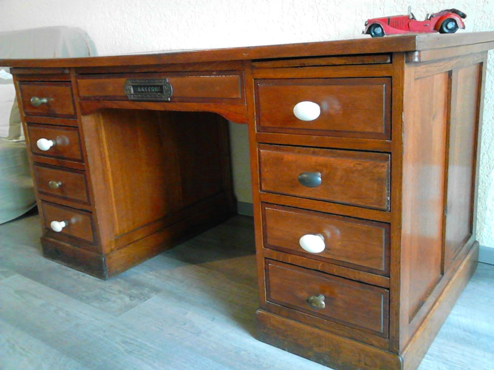 meubles et objets de d coration style industriel bureau secr taire. Black Bedroom Furniture Sets. Home Design Ideas