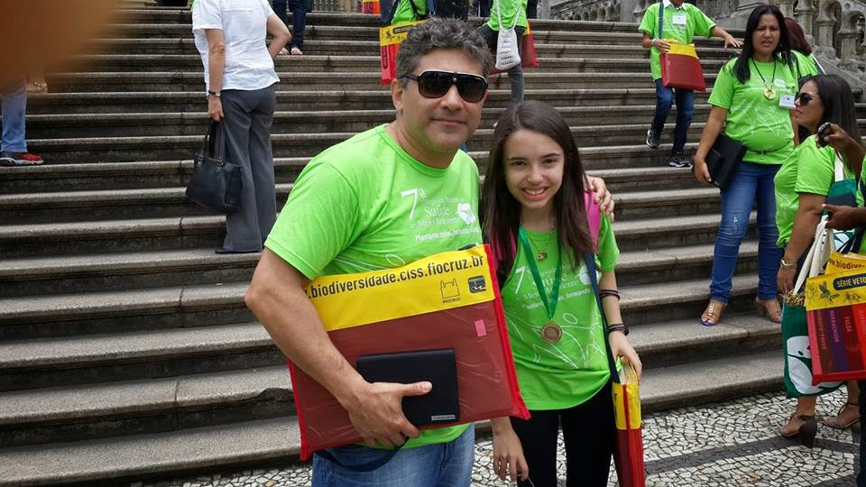 Fernando Mello e Yasmim Lopes representaram o grupo vencedor da Região Sudeste na categoria Audiovisual Ensino Fundamental