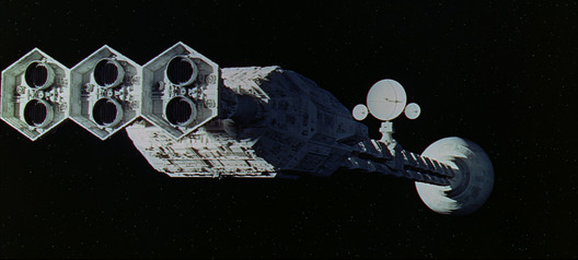 The spaceship Discovery in 2001: A Space Odyssey movieloversreviews.blogspot.com