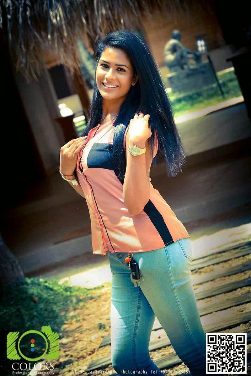Maheshi Madusanka blue jeans