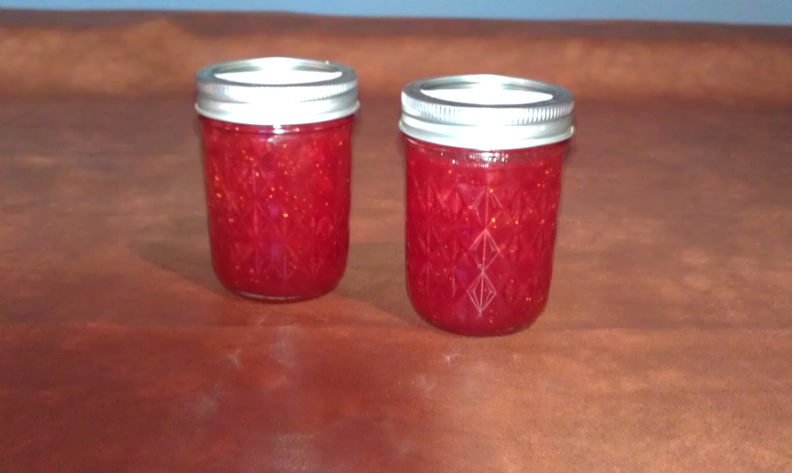 But I finally got off my ass and made some strawberry rhubarb jam a couple