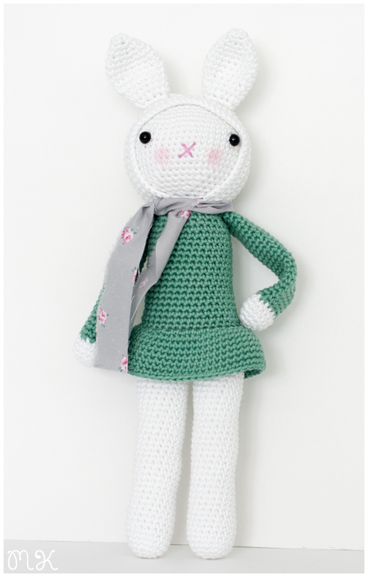 amigurumi conejita muñeca
