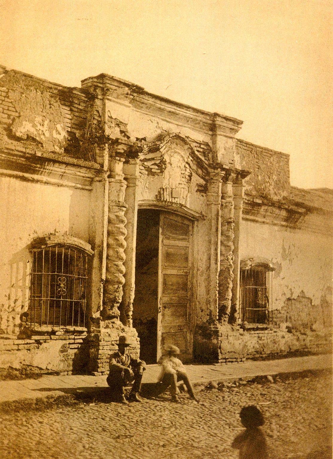 Apuntes de un navegante casita de tucum n historia de for Casas de la epoca actual