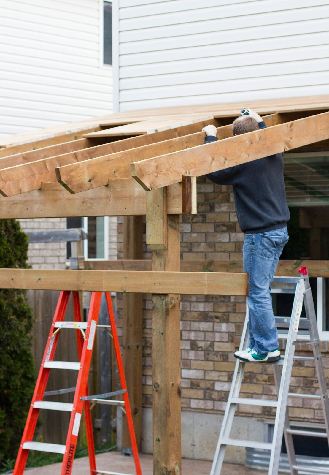 My daily randomness hdblogsquad how to build a for Build covered patio