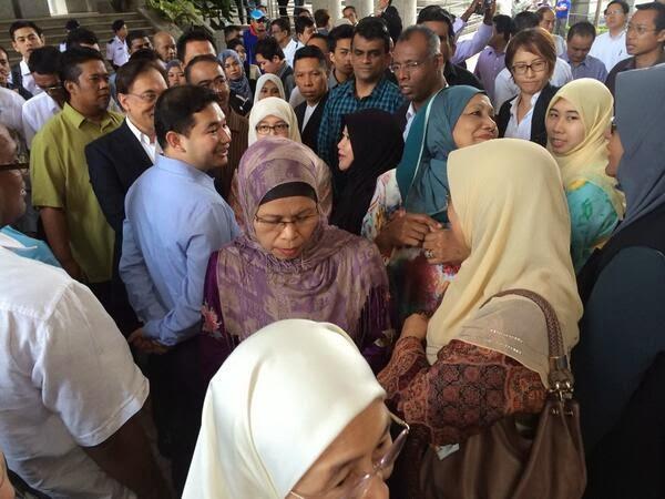 Gambar-Gambar Disekitar Mahkamah Perbicaraan Kes Lewat II DS Anwar Ibrahim