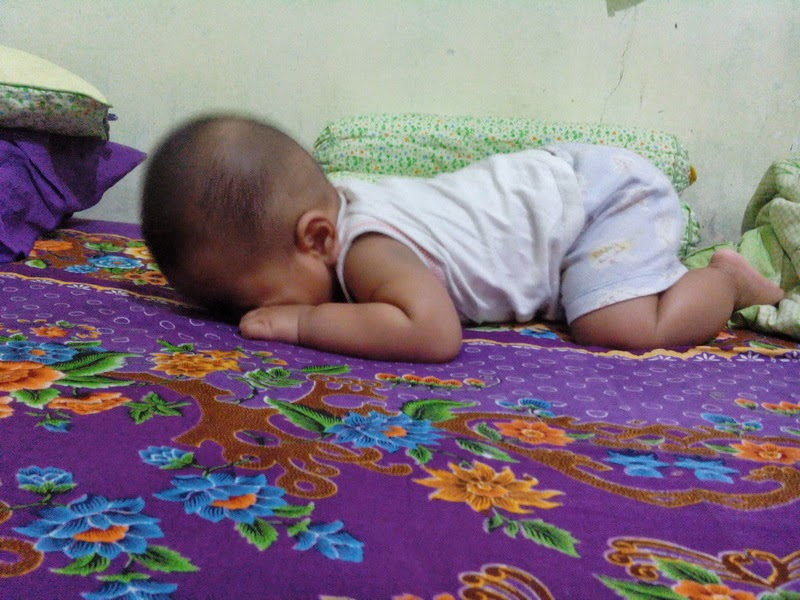 Tumbuh Kembang Bayi di Tiap Bulannya
