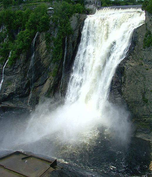 شلالات مونت موسنري Montmorency Falls