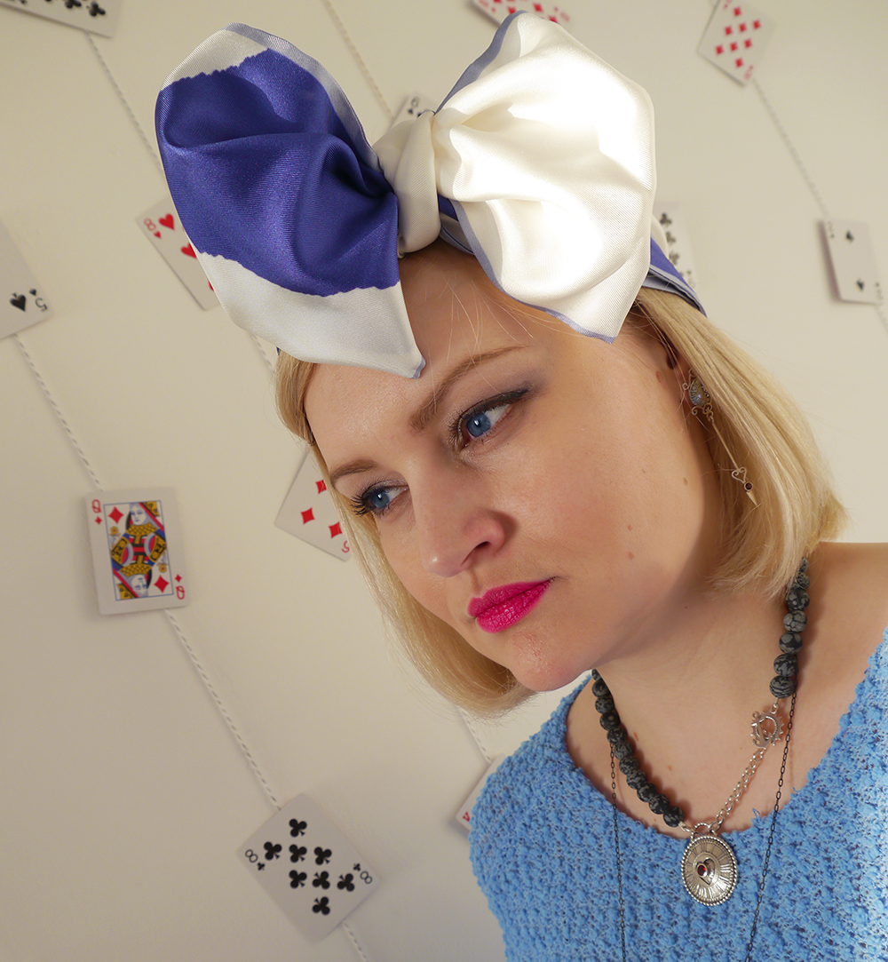 Alice in Wonderland, blue and pink make up look, Karen Smith Jewellery, drink me, style inspiration, how to tie a hair bow, Cleo Ferin Mercury panda scarf, Scottish blogger, steampunk