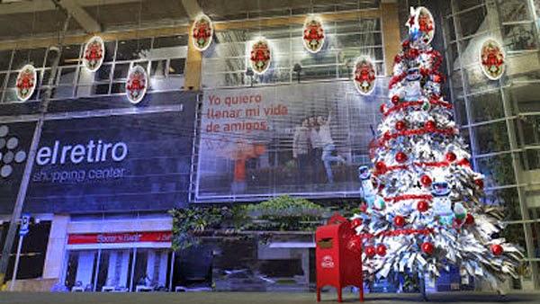 Nieve-Santa-Claus-regalos-El-Retiro-enciende-Navidad-Bogotá