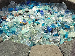 Assorted tumbled glass for flower beds