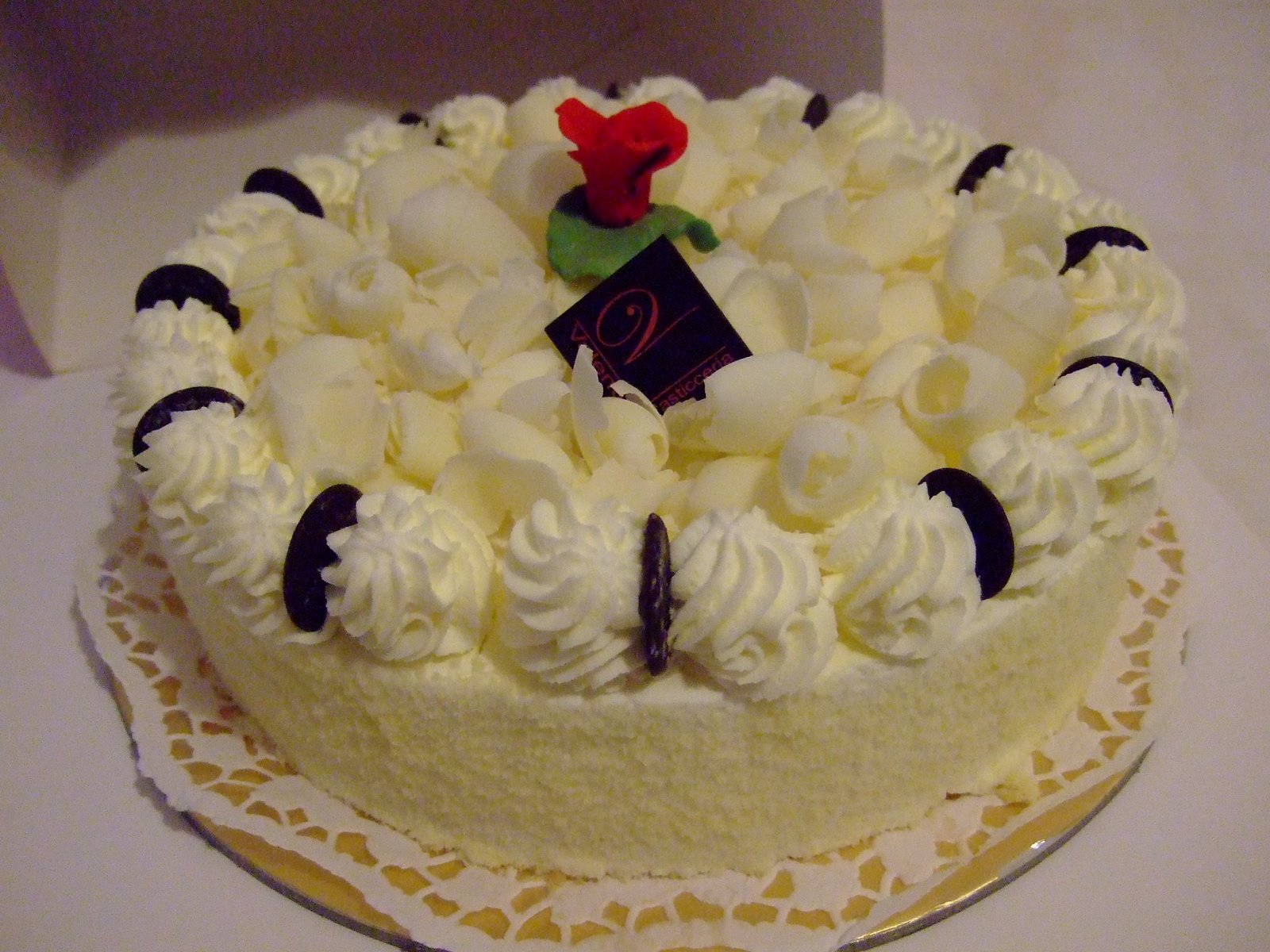 Cake Decoration With White Chocolate : Wedding Cakes: White Chocolate Cake Recipe White Chocolate Cake Pictures