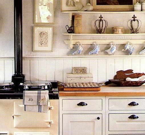Cocina en blanco y madera white and wood kitchen desde - Cocinas rusticas blancas ...