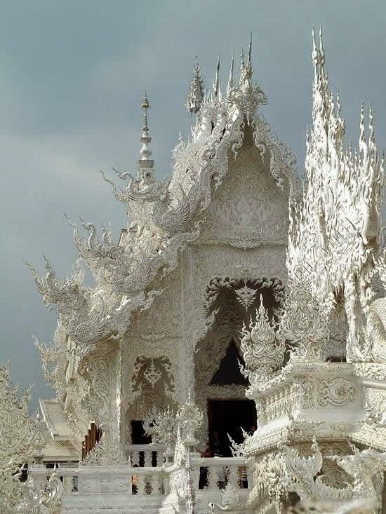 المعبد الأبيض..من أجمل الأبنية في العالم White-temple-thailand-Wat_Rong_Khun-1