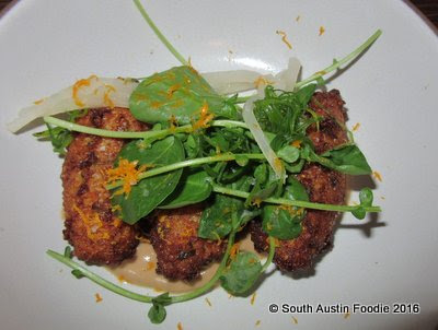 Cafe No Se -- quinoa fritters with cashew butter