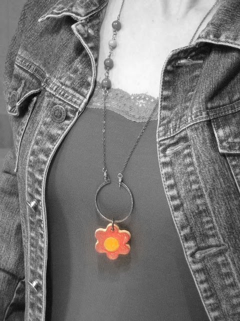 collana in rame con ciondolo a fiore in ceramica