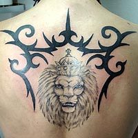 tatto punggung lion kings