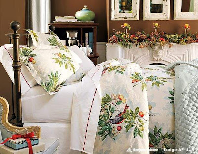 Christmas Bedroom Decoration Ideas Floral Bedding with Decorated cabinet