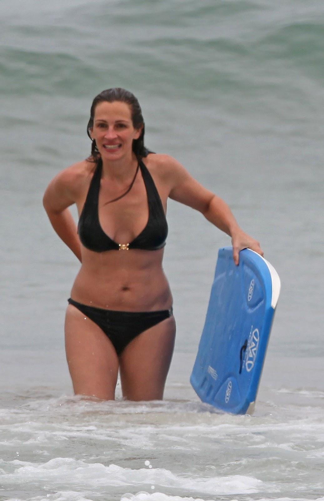 http://4.bp.blogspot.com/-tUKg_b3YIYw/T8DtQzQyYDI/AAAAAAAAHIw/w2aUHk2wiQI/s1600/+Julia+Roberts+-+Bikini+candids+Hawaii+%252819%2529.jpg