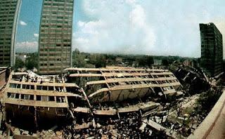Paseo literario por Tlatelolco recordando el terremoto de 1985