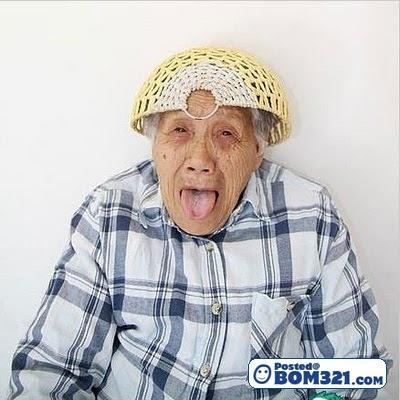 Nenek Bila Depan Kamera