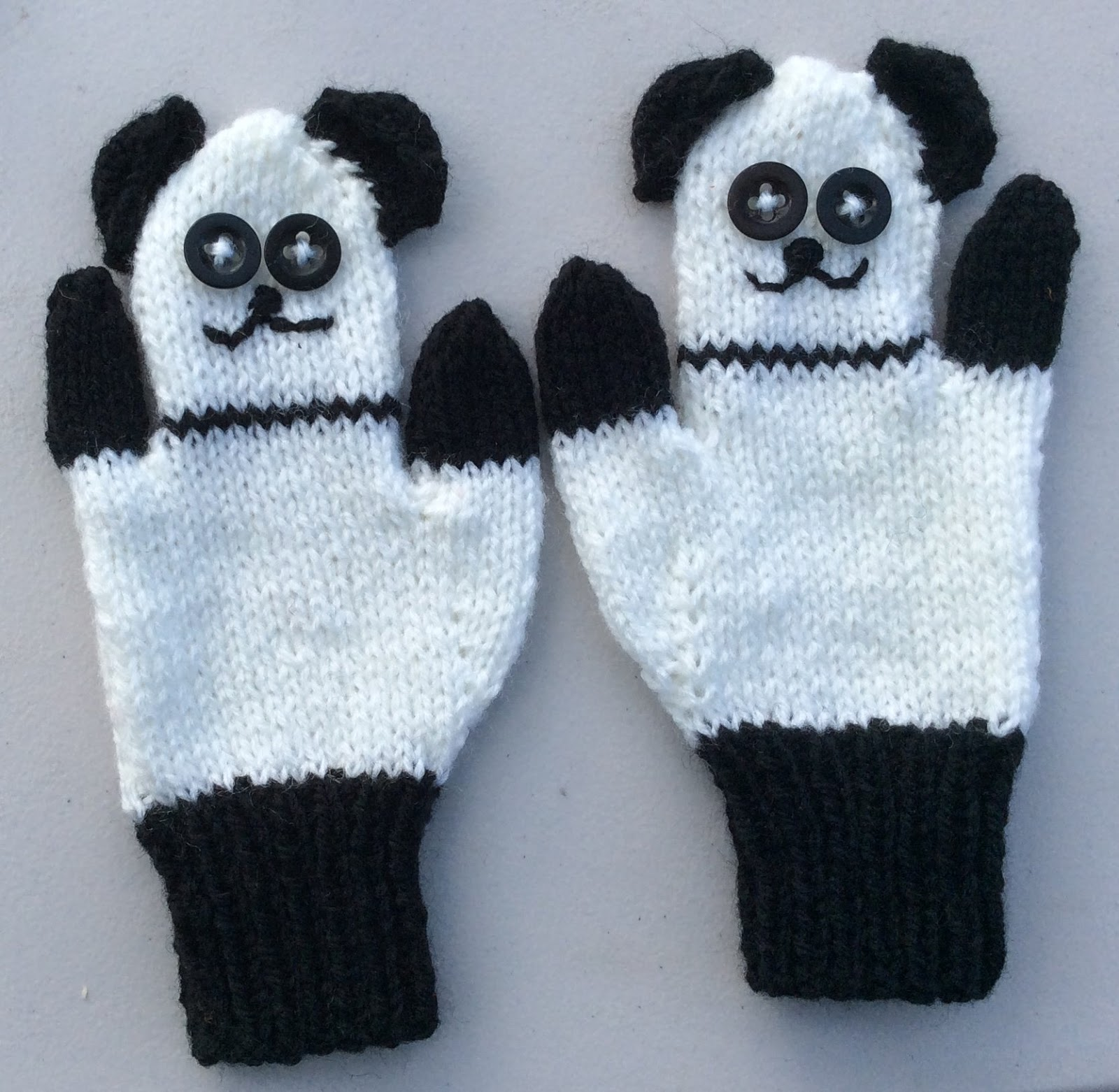 Knitting Pattern For Puppet Mittens : bitstobuy: New fun knitting pattern for Child Animal ...