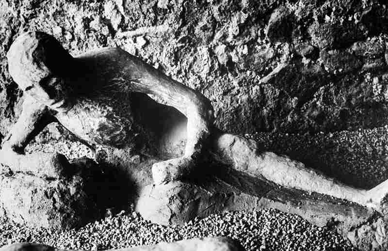 Jejak Akibat Letusan Gunung di Kota Pompeii