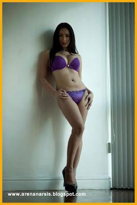 Koleksi Foto Hot dan Seksi Tante Girang 2013
