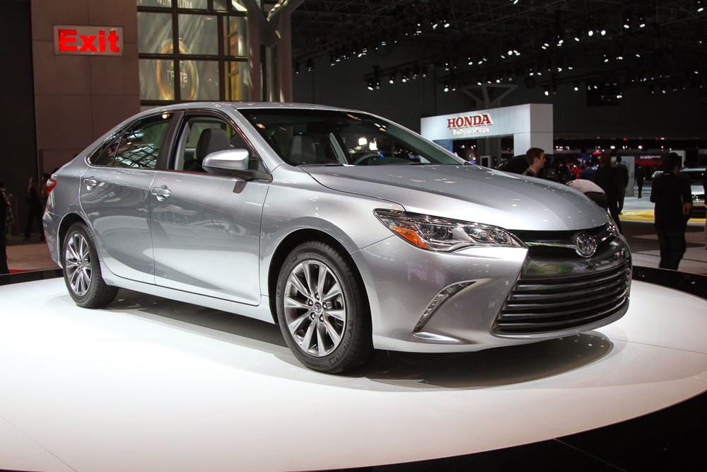 2014 honda accord vs toyota camry 0 60 mph hybrid matchup share the knownledge. Black Bedroom Furniture Sets. Home Design Ideas
