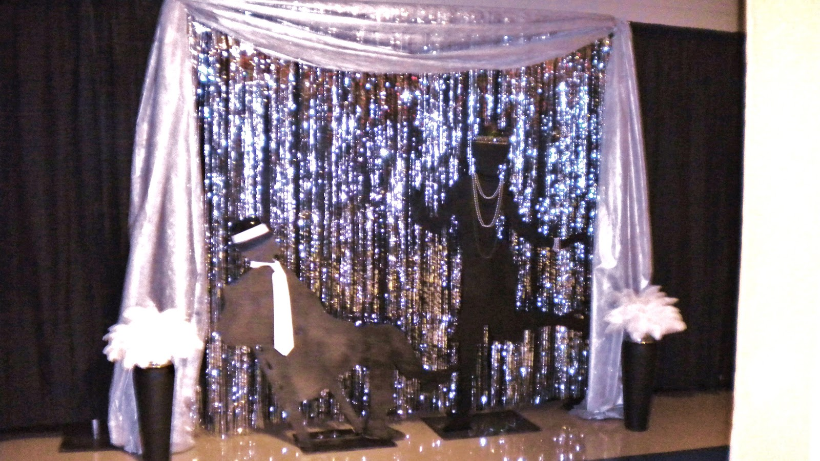 Partyyy 1920s 1920s party decorations gatsby party prom for 1920 decoration ideas