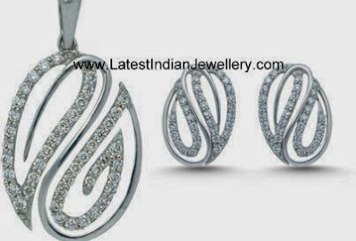 Platinum Diamond Pendant Set