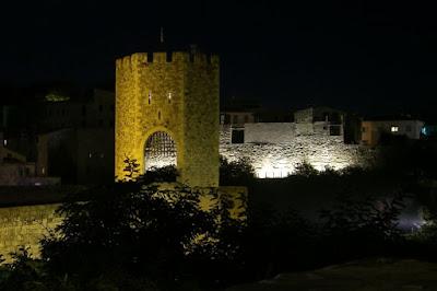 Besalú medieval bridge at night