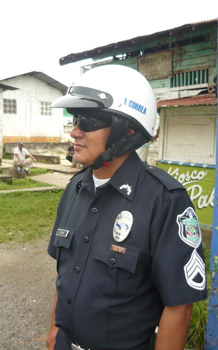 http://www.insigniaspoliciales.com/placa-insignia-polic%C3%8Da-nacional-de-panam%C3%81-p-4781.html