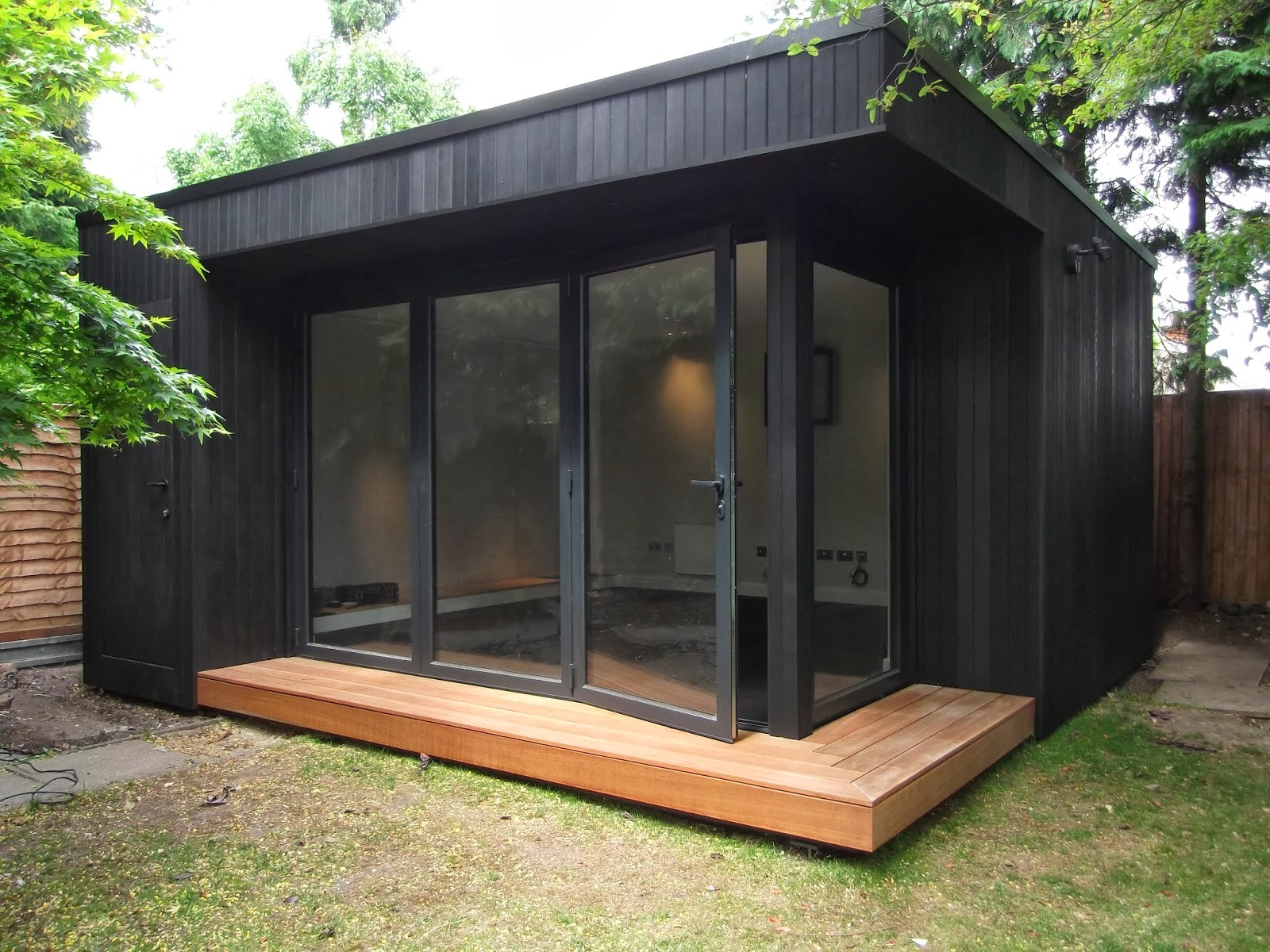 outdoor office shed. JPG (1600×1200) | Shed Pinterest Black Stains, Garden Office And Cabin Outdoor