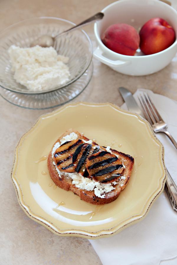 Grilled Peach Toast | Hannah Lundberg Bay Area Photographer