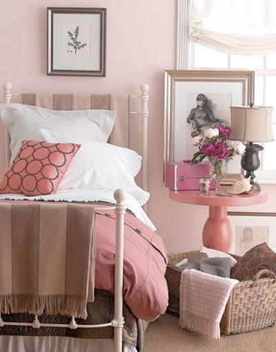 para la primer propuesta los de la atmsfera en el dormitorio juvenil son los colores rosa y marrn una combinacin femenina y elegante