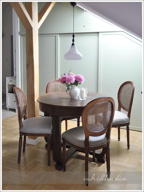poddasze ushii - kąt stołowy / ushii attic - dining corner