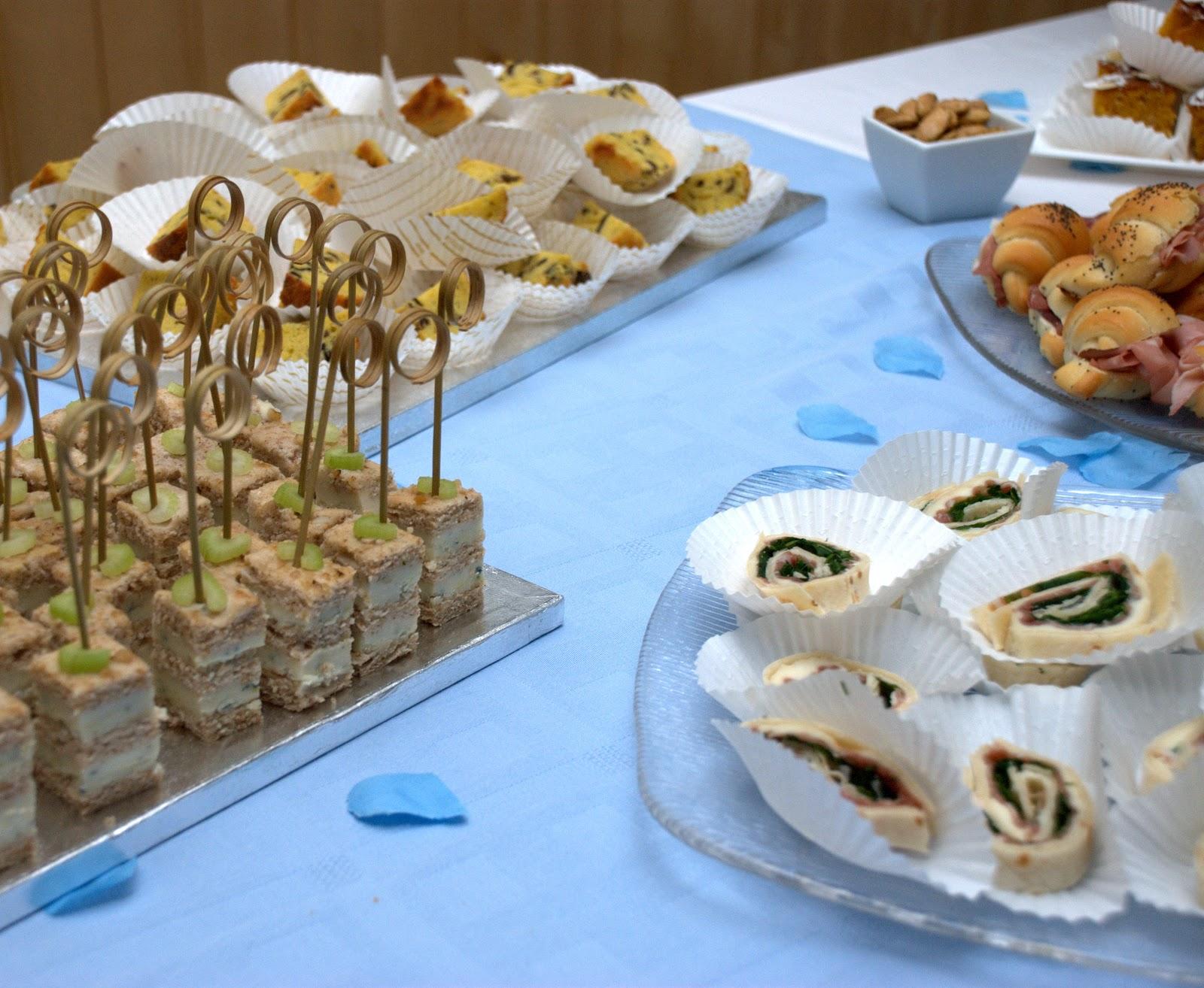 Buffet Di Dolci Battesimo : Temi per la festa di battesimo party city