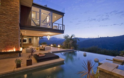 Justin bieber justin bieber buying a awesome house for for Buy house hollywood hills