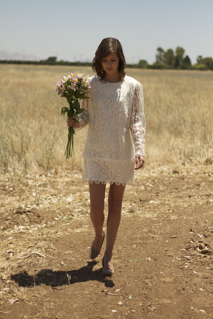 long sleeved lace short vintage wedding dress