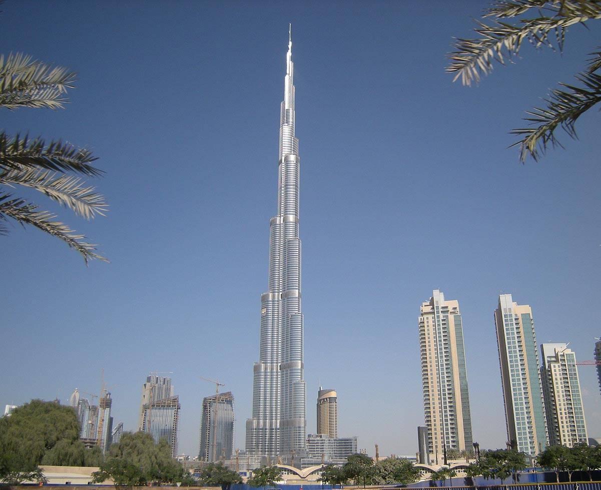 Dubai tallest building burj khalifa luxury places for Best at dubai