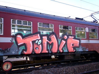 TOMIE graffiti