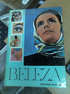 Enciclopédia da Mulher... muito bom :)