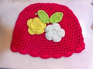 kiểu mũ len cho bé gái - kiểu hoạ tiết hoa