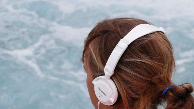 10 Lagu Barat Yang Masih Enak Di Dengarkan Sampai Sekarang