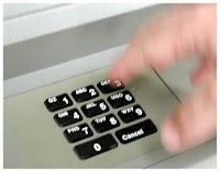 teclado numérico en cajero de banco